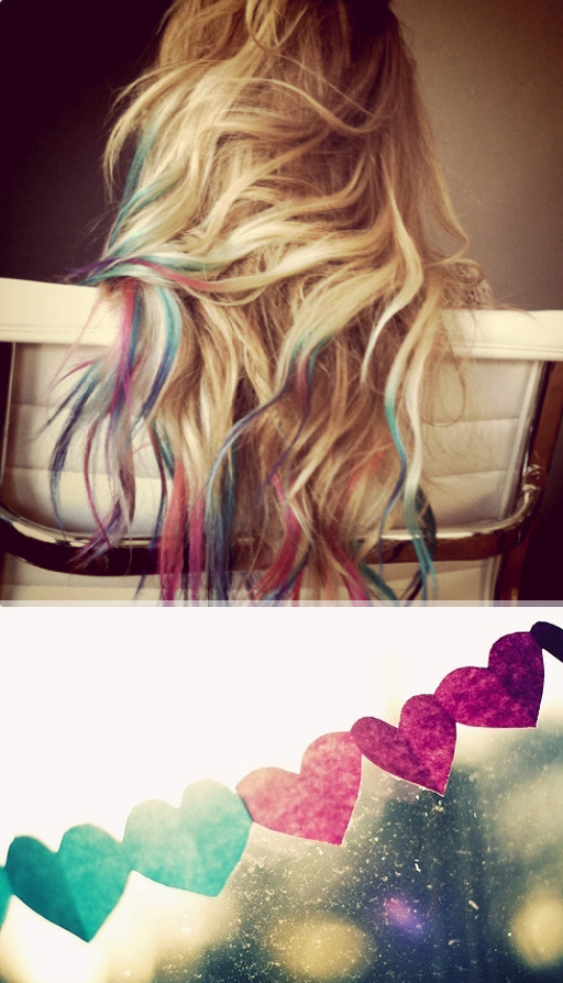 Lauren's Multicolour Hair | The Beauty Department Lauren Conrad recently asked people on her blog if she should dye her hair multicoloured and after a resounding 'YES', she did it! I am soooo in love with this - if I had the money I would go out tomorrow and get my hair dyed blonde, long extensions put in, and the tips done exactly like that. Maybe the most perfect Summer hair style I've ever seen!