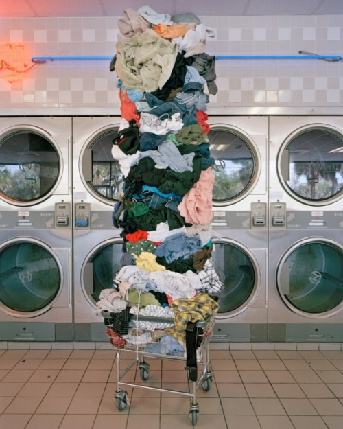aiurare:   LAUNDRY TOTEM - MATERIAL WORLD SERIES by David Welch