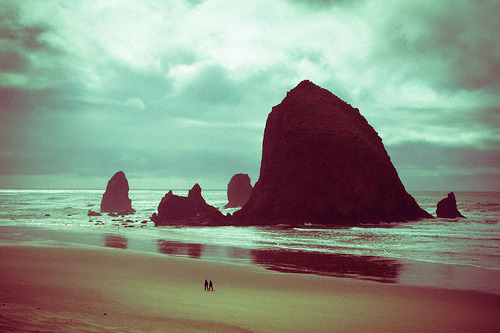 Haystack Rock - Cannon Beach, OR (by theCOkid)