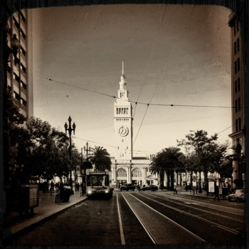 A new old shot of the Ferry Building #sanfrancisco #landmark #fakevintage  (Taken with instagram)