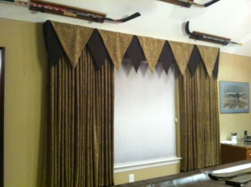 I'm responsible for these beautiful curtains=)