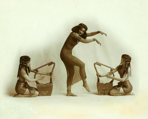 Ruth St. Denis with two unidentified dancers in Egypta. by New York Public Library on Flickr.