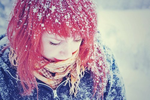 Hayley Williams in the snow :) <3