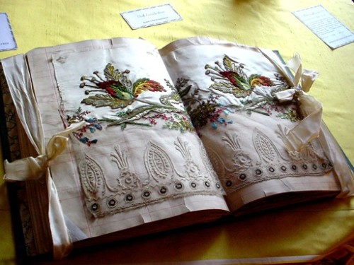 ornamentedbeing:    18th century French sample book Prelle Le Divan Fumior