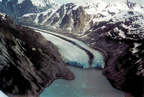 onieric:  takeafoto:  Glacier (by RV Bob)  I have disliked glaciers for as long as I can remember. Then I visited Iceland. Now I like them :D  I didnt dislike, but them I wasn't going to the module, now I am!!!