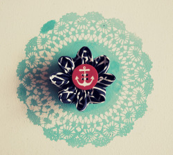 DIY Flower brooch tutorial.  A little different than the ones floating around, it creates a nice three dimensional poesy.