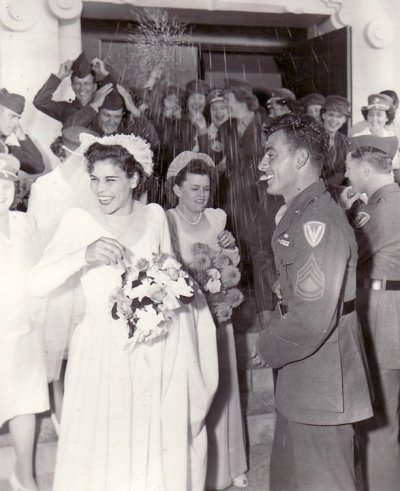 militaryweddings:  The bridesmaid's face tho