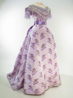 omgthatdress:  Dress ca. 1868-1870 via Manchester City Galleries  I WANT TO WEAR THIS… RIGHT FUCKING NOW AND THEN WHEN I GO TO ULTA LATER TODAY, I WILL BE FABULOUS