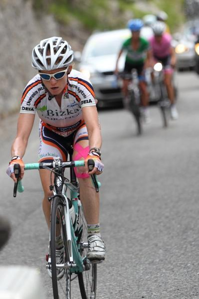 Giro D'Italia Internazionale Femminile / Giro Donne 2011 - Stage 8: Ruth Corset (Bizkaia - Durango) About To Be Caught By Pooley And Vos, Photos | Cyclingnews.com More pictures from today's stage on Cyclingnews