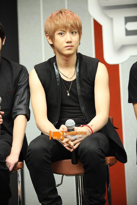 [PICS] Jang HyunSeung (8July,2011 BEAST PRESS for THAI FanMeet At Park Paragon) Tumblr_lo1qeb3Kqa1qcgseg