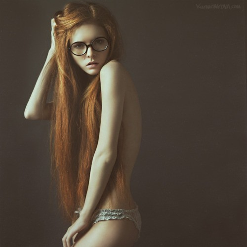 dyinglies:  NOW SHES A HOT RED HEAD!