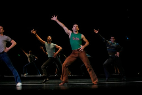 Tony Yazbeck as A Chorus Line's Al. Wearing TKTS shirt.