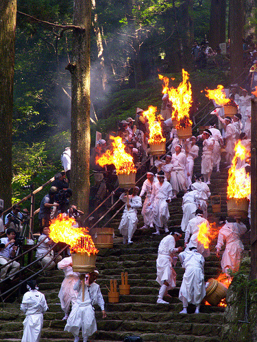 somewhereintheworldtoday:  Japanese fire festivals like Otebi and this one in Shingu are a bizarre mix of family fun combined with the danger of being burned to death! (via Otebi Fire Festival | Somewhere in the world today…) Picture: Fire Festival Procession by logan.fulcher, on Flickr