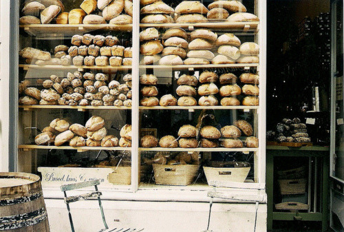 birdssingforyou:  bakery by Marlous Anne on Flickr.