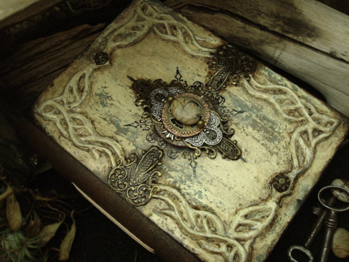 luthienthye:  Nimloth of Eressea ~ fantasy inspired handmade book ~ by Luthien Thye   WANT
