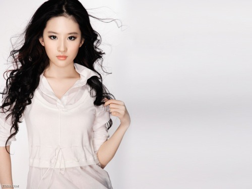 yifei liu , sucha beautiful lady