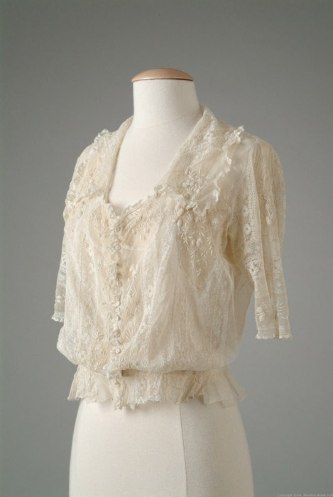 A delightfully delicate cotton net and lace blouse by Grande Maison de Blanc, 1917.
