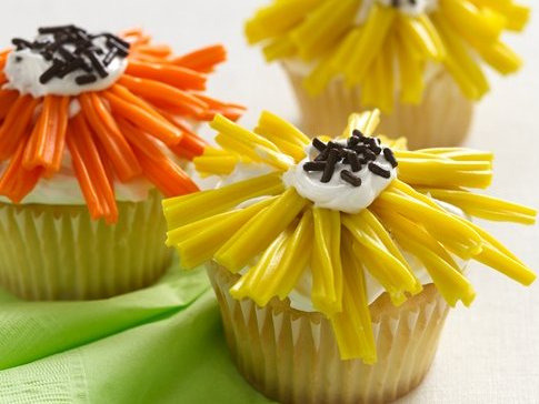 Flower Power Cupcake by Betty Crocker Recipes on Flickr.