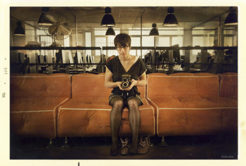 rolleiflex and girl by badmiaou http://badmiaou.tumblr.com/