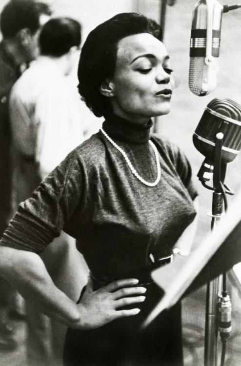 vintagegal:  Eartha Kitt 1950's