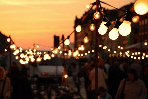 katerspotaters:  all of the lights..
