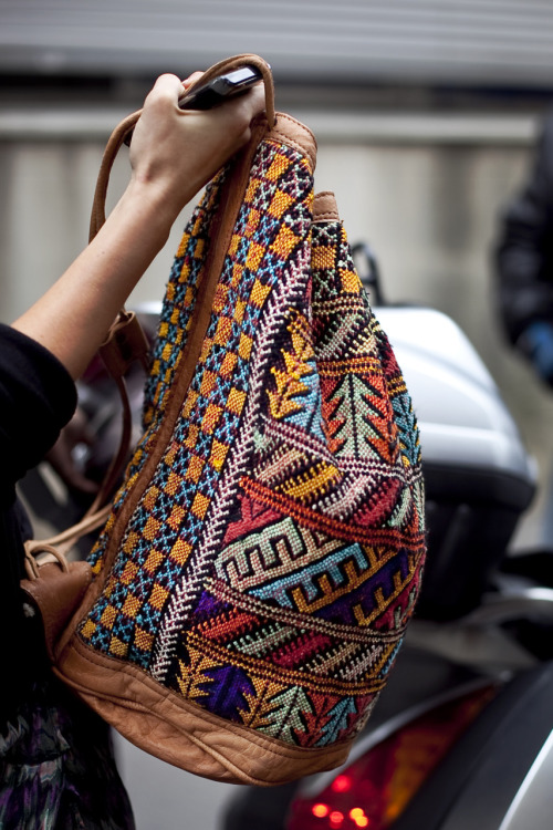 To which top model does this bag belong?  (click pic to find out)
