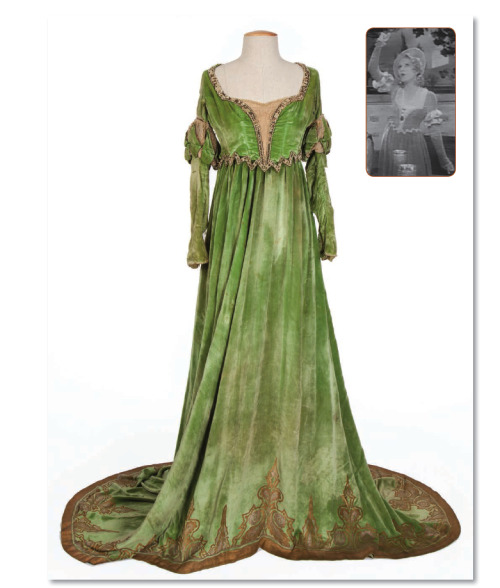 ornamentedbeing:  Look at how beautiful this costume is! It was worn by Mary Pickford in the 1929 version of Taming of the Shrew!