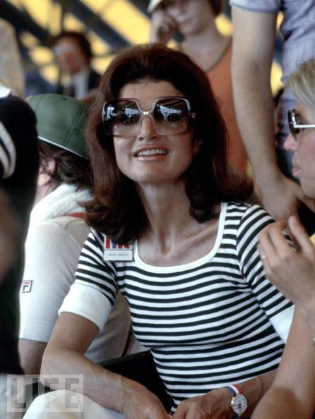 dysfashional:  As the lovely Jackie O exemplifies the #Chicistani way: always pack a b/w striped top look and oversized sunnies.