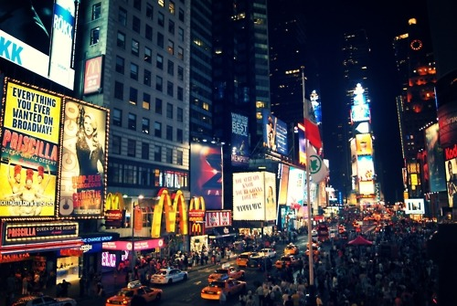 (via Times Square - Movement. Midtown, New York…)