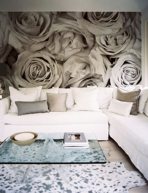 So dramatic! abcddesigns:  I like the oversize artwork.