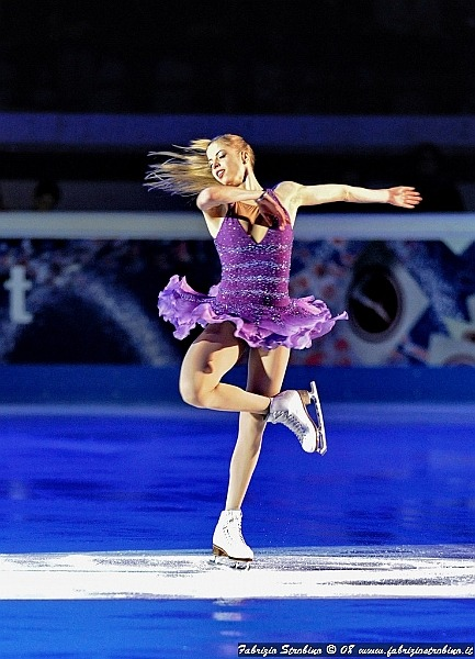 beautiful-shapes:  Carolina Kostner 2008 EX