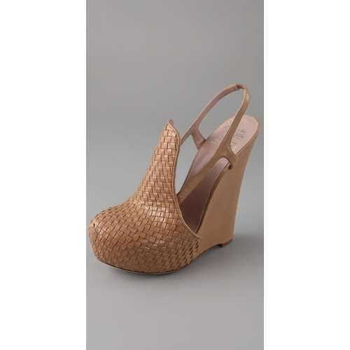 choochay:  Alejandro Ingelmo for CHRIS BENZ Woven Wedge Pumps. These definitely look walkable! I want!