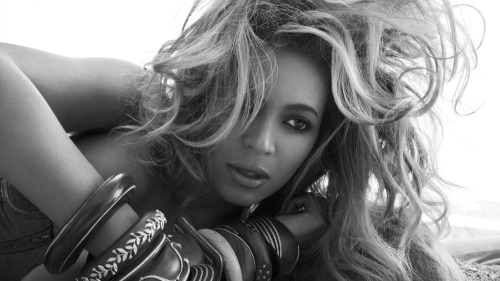 "Ken Tucker says that for much of Beyonce's new album 4, the singer is ""in escape mode."""