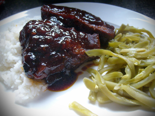 Braised Island short ribs This was a modification from a dish my mom used to make. She used pork country style ribs and baked the dish, I used beef short ribs and braised it. The sauce is a sweet and tangy concoction - I can't get enough of it and I was scraping the bottom of the pan and pouring the extras over rice. My mom's version was always good but I think braising was the way to go. To quote Mark:  You know it's delicious when you don't even have to use a knife to cut it.  I don't really have a recipe because I eyeballed all the ingredients. I will tell you it's a mix of ketchup, soy sauce, brown sugar, spicy mustard, and garlic powder (in descending order of the amounts used). I used red wine to deglaze the pan and vegetable broth to braise it - I just whisked the sauce into it and put the whole thing in the oven for about 2 hrs. Don't judge on the canned 'French-Style' green beans - I not-so-secretly love them (maybe even more than fresh green beans).