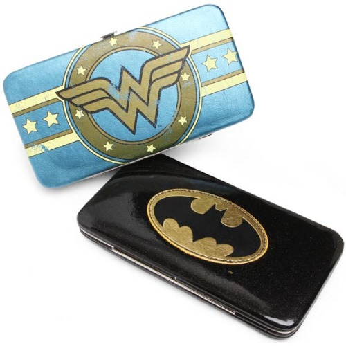 herochan:   Superhero Hinge Wallets Available at Thinkgeek.