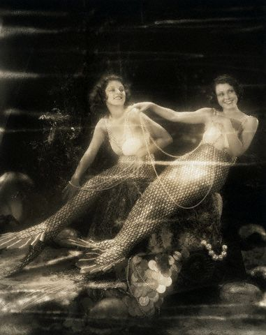 "hollyhocksandtulips:  Lillian Roth and Frances Dee, ""Sea Legs"", 1930's"