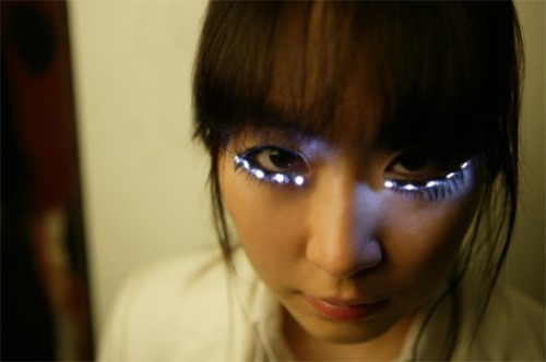 LED Eyelashes I'll need to find a reason to make these some day.