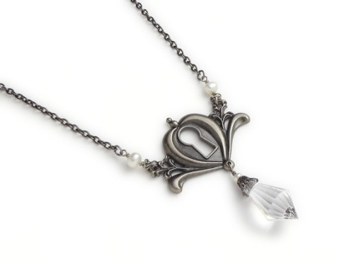 The simplicity yet beauty of this necklace is really amazing. :3 Nothing but silver and crystal.