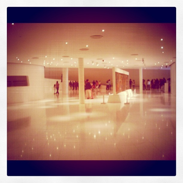 monsekishi:  #Soumaya #México #Lights (Taken with instagram) The lobby.