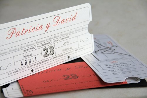 Very creative! Love this idea for a save the date or wedding invitation!