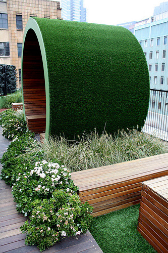 architorturedsouls:  Roof Garden in Melbourne, AustraliaDesigned by Jamie DruriePhoto by Chris&Steve