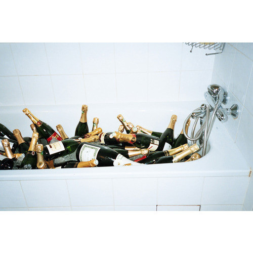 poppin bottles in the tub