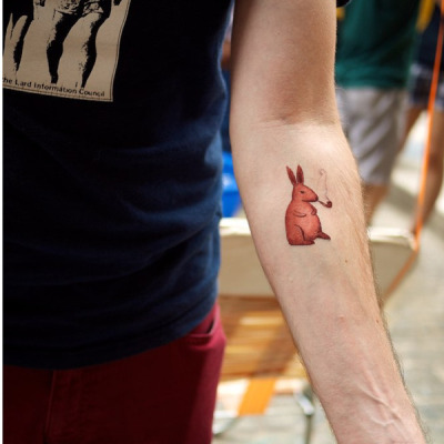 (via Tattly™ Designy Temporary Tattoos — Rabbit) Tatouage temporaire. Choup.