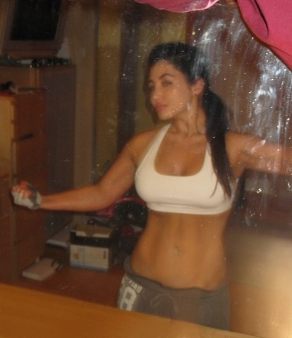 THIS^ is what I want to get back to.. this body was the result of dating my personal trainer tho -_- He used to police my eating habbits, keep me away from substances/my caffeine addiction, keep me on track… and I know I can do all those things on my own. I just need to want it bad enough. And I fucking do.