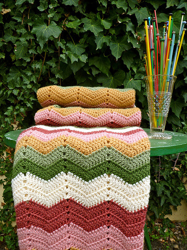 Granny Chevron Blanket (by Loving The Vintage)