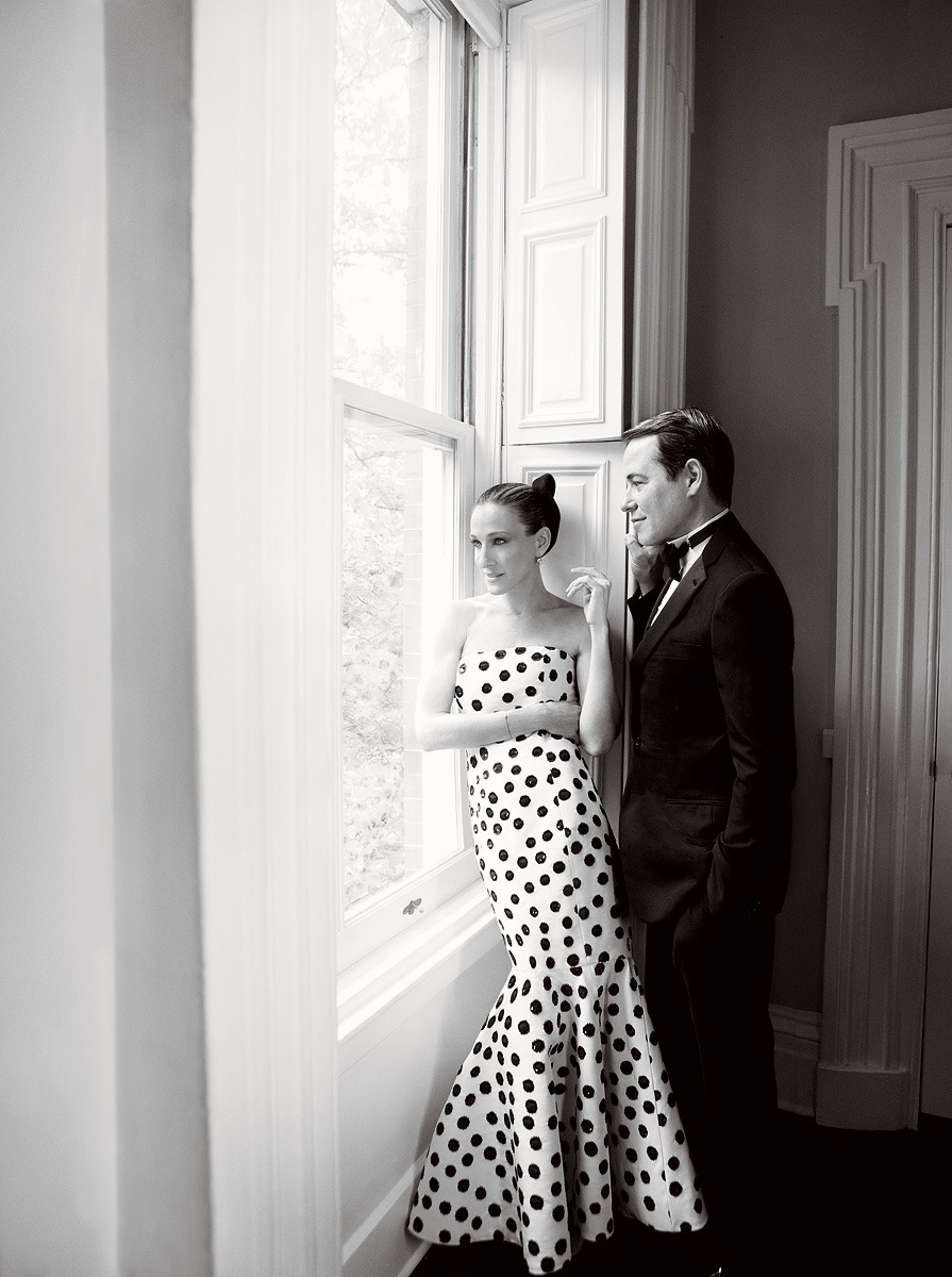Sarah Jessica Parker in Oscar de la Renta. Vogue, August 2011.