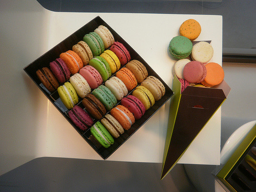 PARIS the great macaroon wars of 2011~the winner (by addadada)