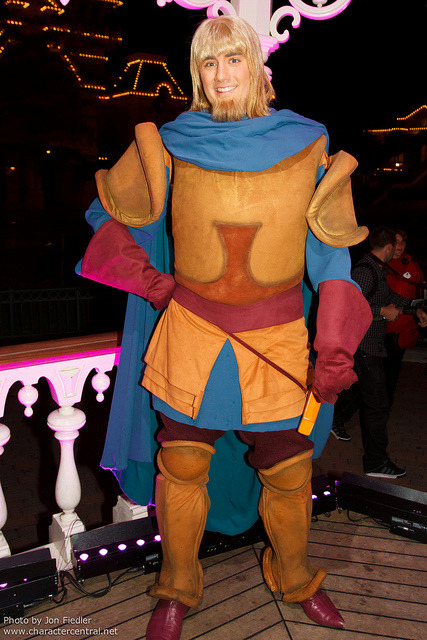 DLP June 2011 - A character filled end to a Magical Night in Parc Disneyland by PeterPanFan on Flickr.