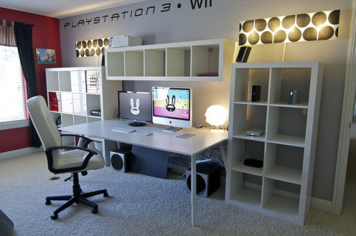 Desk Setup | July 2011 | All IKEA by chargerfun on Flickr.So so so awesome!