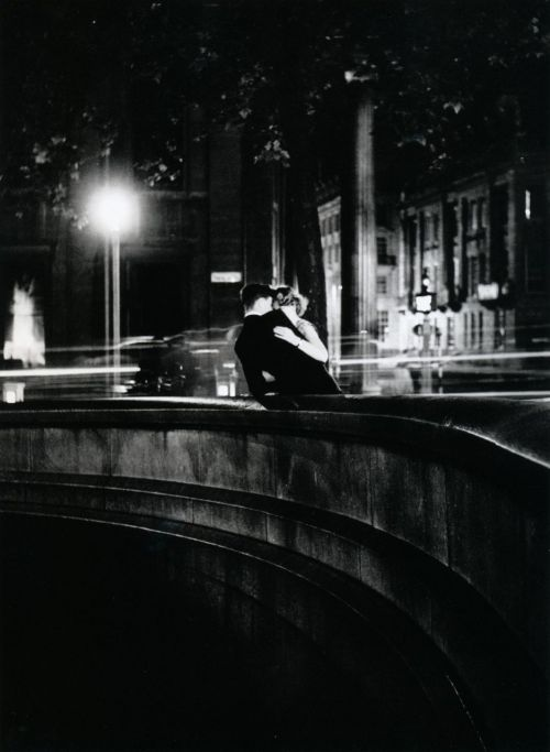 liquidnight:  Izis Trafalgar Square London, 1950 From Izis: Captive Dreams - Photographs, 1944-80